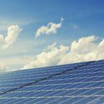 Un ejemplo de energía renovable es la fotovoltaica.